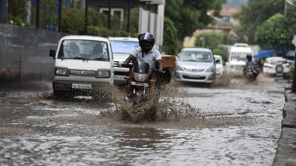 The traffic situation is likely to suffer if the city gets more rain as a result of bottlenecks at crucial junctions due to ongoing construction work.
