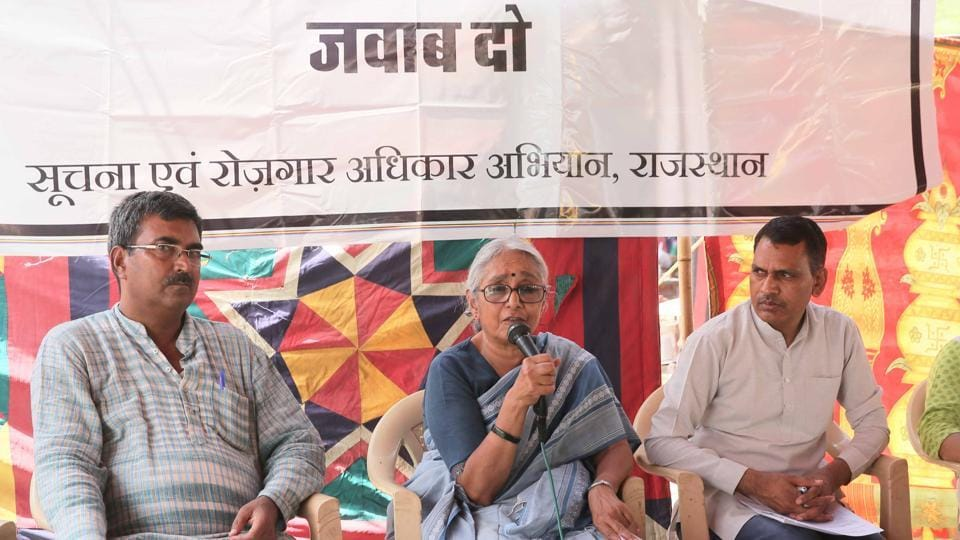 Aruna Roy addresses villagers at the sit-in organised during the JAWABDEHI YATRA near State Assembly in Jaipur on June 19, 2017.