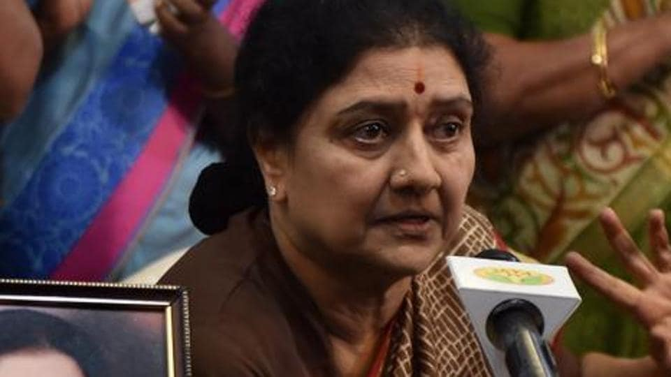Chennai: AIADMK General Secretary VK Sasikala briefing the press along with party's MLAs supporting her at the resort in Koovathur at East Coast Road, in this file photo from February.
