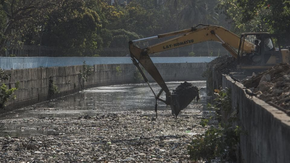 The work started late in Mumbra as none of the contractors were willing to clean the nullahs. When it rained in the first week of June, several areas of Mumbra were flooded due to choked nullahs.