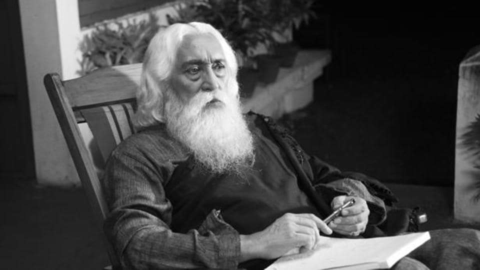 Tagore received the Nobel Prize in 1913. The medallion was stolen from Shantiniketan in Birbhum in 2004.