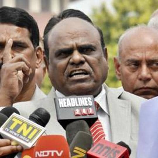 Calcutta high court Judge C S Karnan addresses a press conference outside the Supreme Court in New Delhi on Friday March 31, 2017. HT Photo
