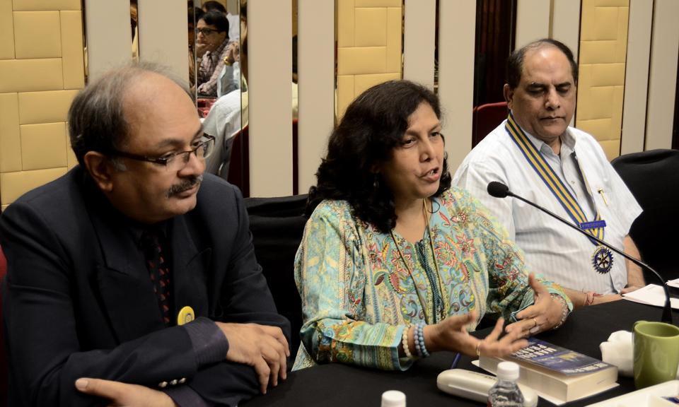 Manjiri Prabhu speaks about her book 'Trail of Four' during the talk organised by Rotary club of Pune Riverside.
