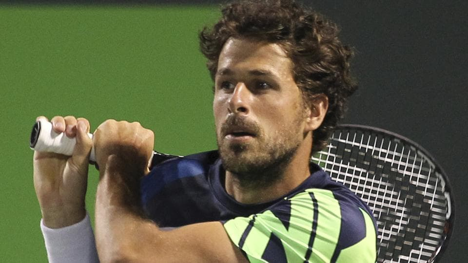 Robin Haase defeated Dominic Thiem in the Halle Open.