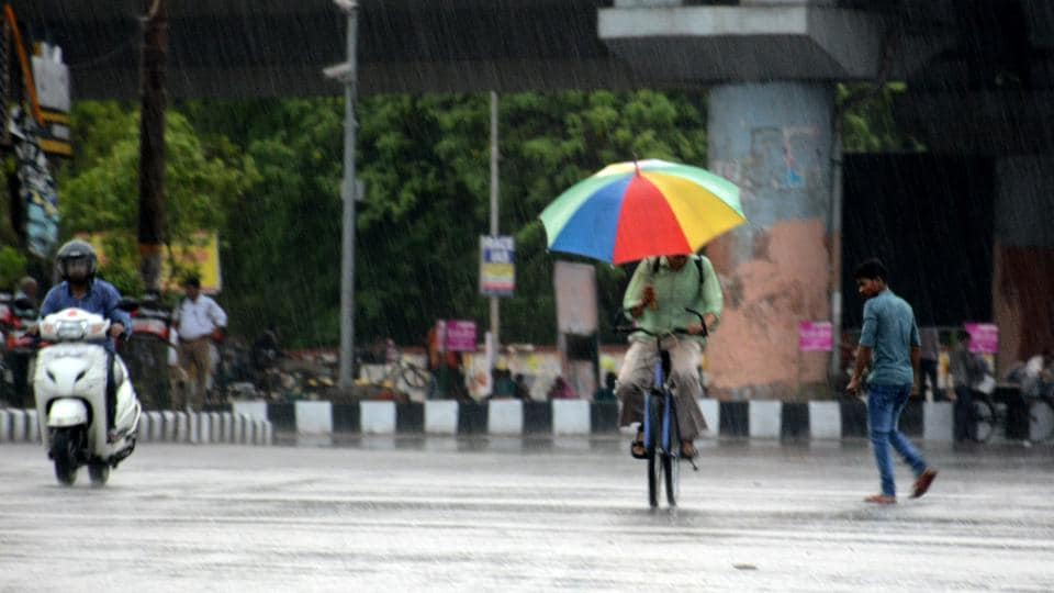 Due to rain, the day temperature in Lucknow dipped to 34.7 degrees Celsius, two notches below normal .