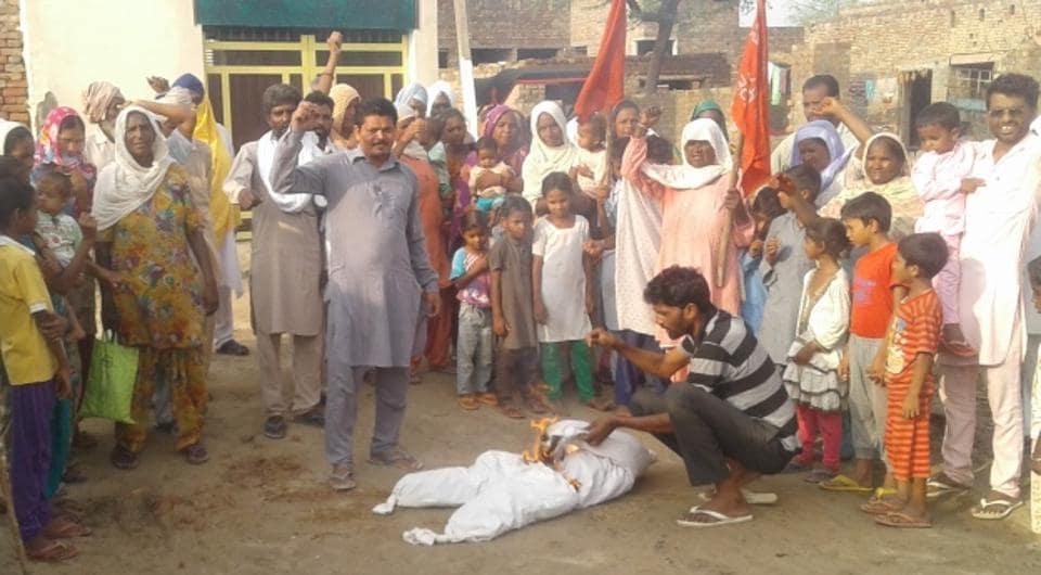 farm labourers,debt waivers,protest