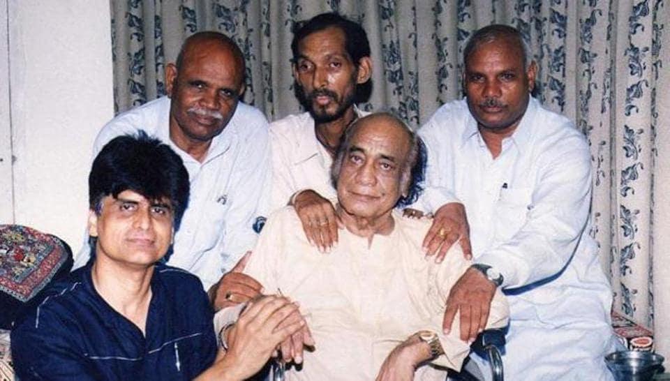 Mehdi Hassan died in Karachi on June 13, 2012.