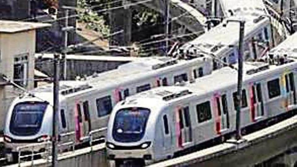 The MMRC will be procuring 31 eight-car trains of standard gauge (1435 mm) system.  The train cars will be 22.6-metre-long and 3.2-metre-wide with 4 gates per train.