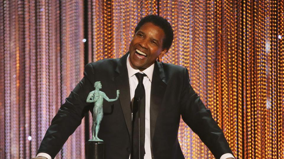 Denzel Washington accepts his award for Male Actor in a Leading Role during the 23rd Screen Actors Guild Awards in Los Angeles on January 29, 2017.