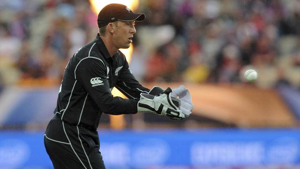 New Zealand wicketkeeper Luke Ronchi has retired from all forms of international cricket.