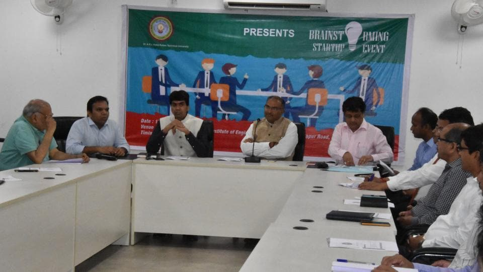 Representatives of the university, affiliated colleges and industry bodies met at the campus on Saturday to discuss the issue.