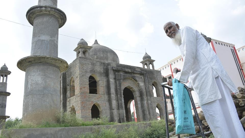 Two years later, next to his incomplete 'Taj' in Bulandshahr's Kaser Kalan, a small village nearly 150km from the National Capital, a government girl's school is nearing completion.