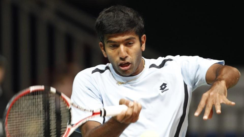Rohan Bopanna has crashed out of the Aegon Championships in men's doubles semi-finals.