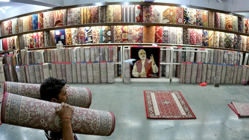 With the unrest in Kashmir taking a toll on industry, several, entrepreneurs have shifted their business to Jammu and other parts of the country. (Nitin Kanotra/HT Photo)