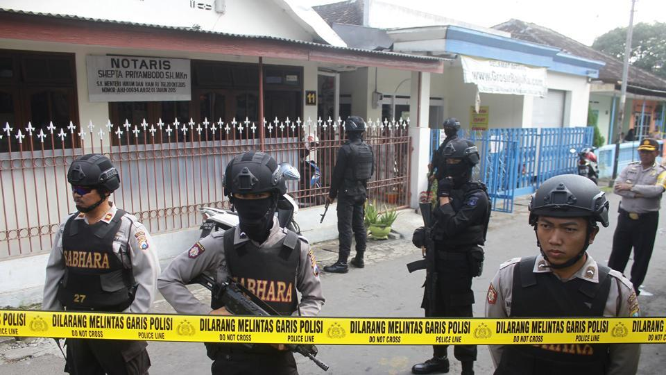 Militants hit Indonesia police; 1 officer, 1 attacker dead