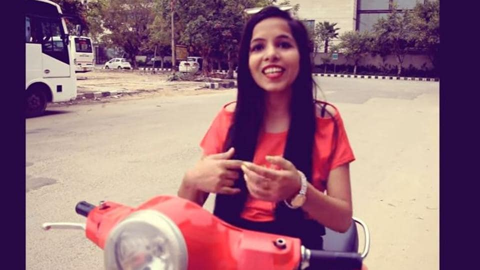 The song that goes 'Dilon ka shooter, hai mera scooter', opens with Pooja riding a red scooter and singing about how there's no one cuter than her.