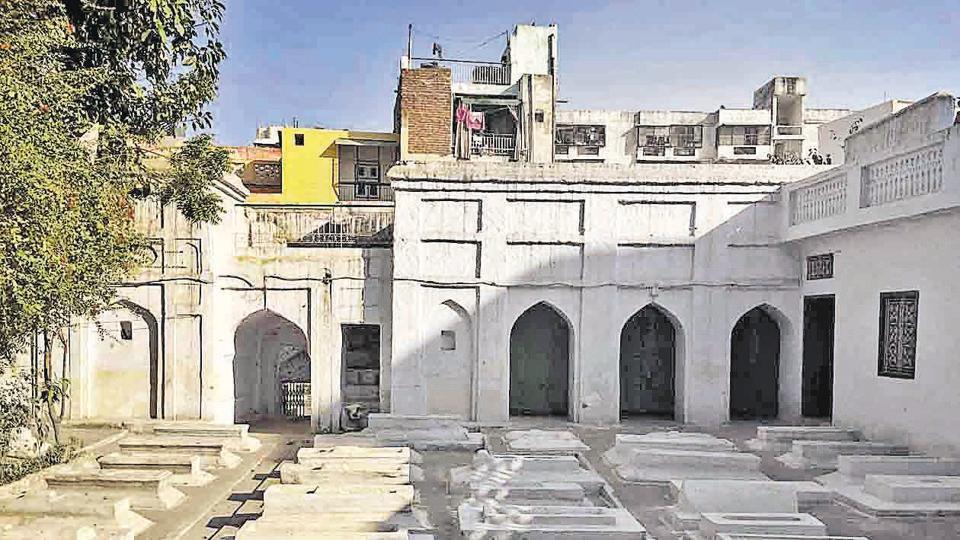 The Hijron Ki Khanqah, sufi spiritual retreat for 'hijras', is situated on the scenic bazaar street of south Delhi's Mehrauli region.