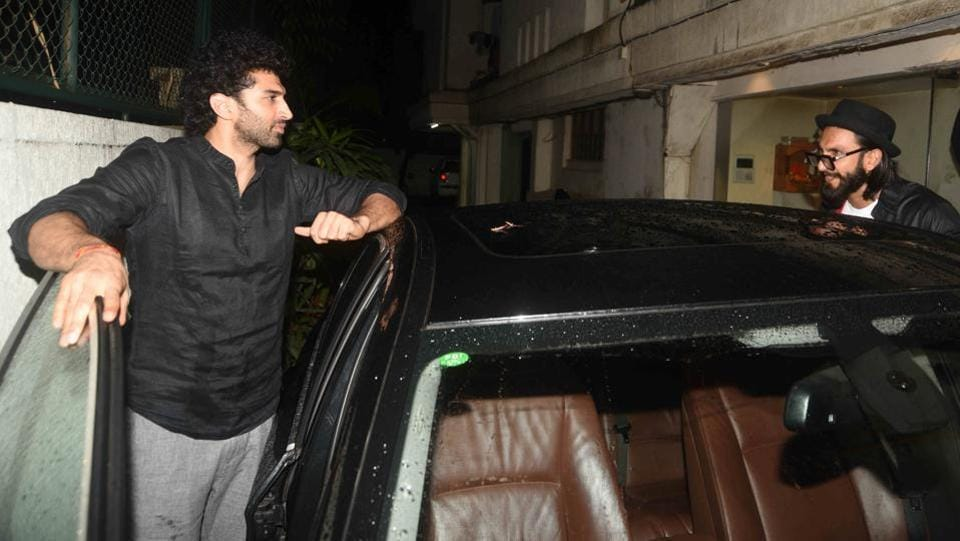 Aditya Roy Kapur and Ranveer Singh indulged in an animated discussion. (Photo: Prodip Guha/HT)