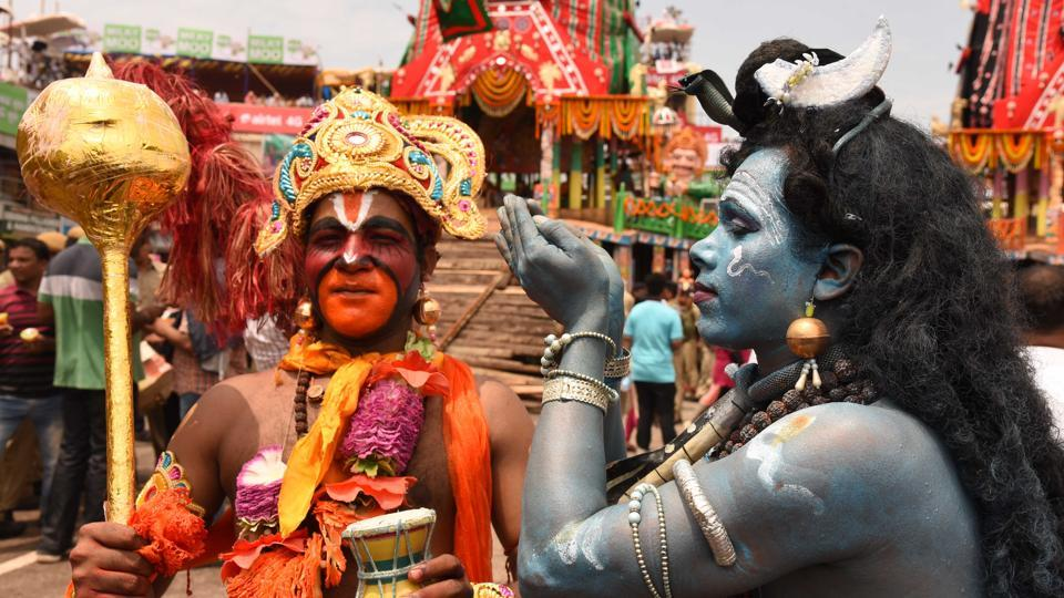 The world famous Rath Yatra of Lord Jagannath is held in the pilgrim town of Odisha with religious fervour and enthusiasm. People throng to the town to have a glimpse of the presiding deities of the 12th century shrine of Lord Jagannath during the annual festival of chariots. It is a nine-day-long celebration that ends with the Bahuda Yatra or the return journey to their temple. (Arabinda Mahapatra/HT Photo)