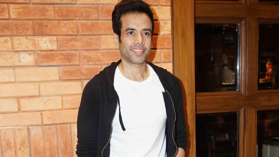 Aftab's close friend and MAstii co-star Tusshar Kapoor also came to greet him. (Photo: Prodip Guha/HT)