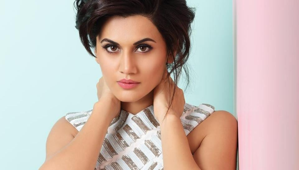 Taapsee says when our government has taken a big step to get rid of black money in our country, this is the least we can do.