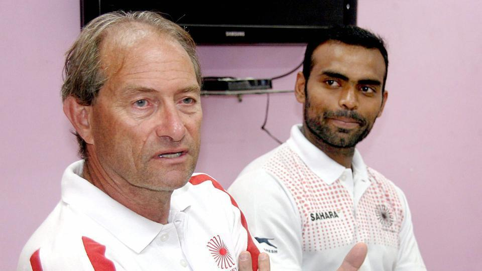 Chief coach of the Indian hockey team, Roelant Oltmans (L), with PR Sreejesh.