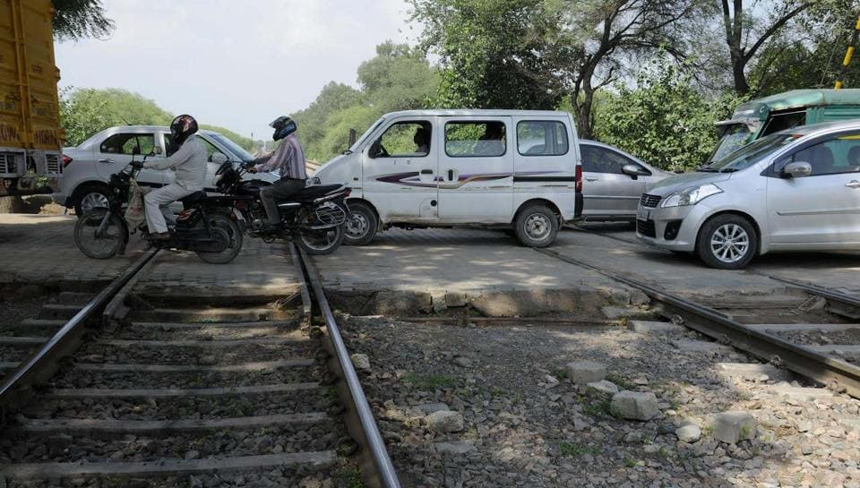 The Bajghera railway crossing in New Palam Vihar.