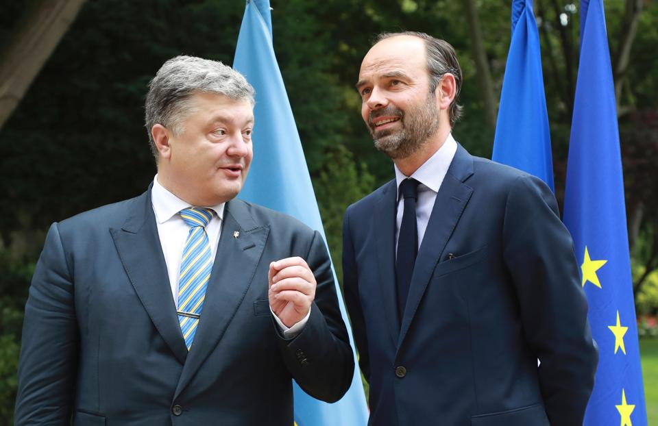 France's Prime Minister Edouard Philippe (on right) with Ukraine's president Petro Porochenko in Paris.