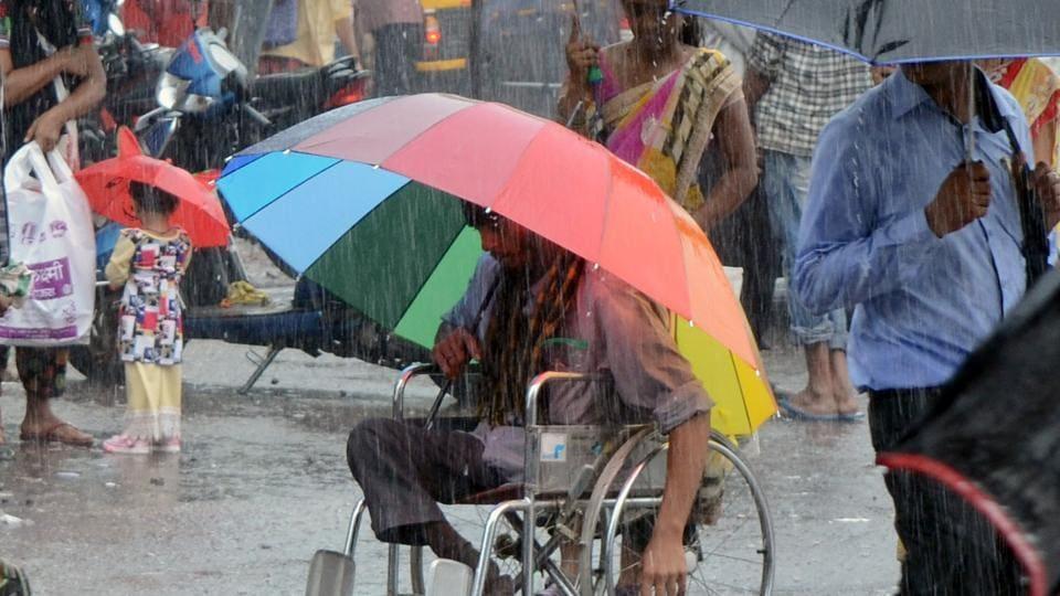 Mumbai city news,Mumbai rains,traffic snarls
