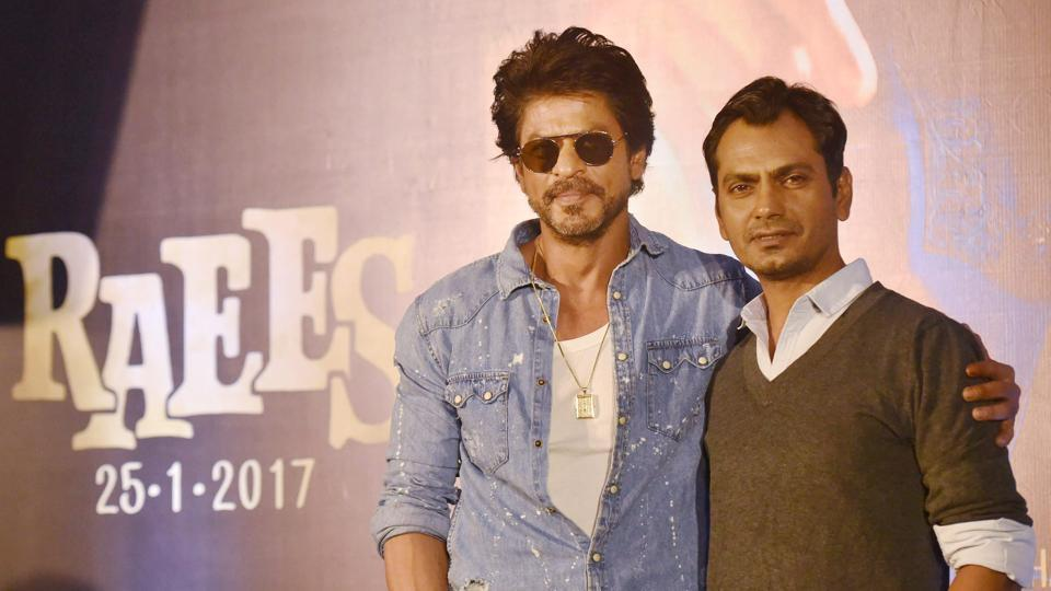 Bollywood actors Shah Rukh Khan and Nawazuddin Siddiqui have been named in a complaint in a ponzi scam, but are not mentioned as either accused or suspects.