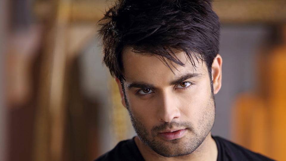 Vivian says he would rather not have six abs than be someone who has six-pack abs but can't act.