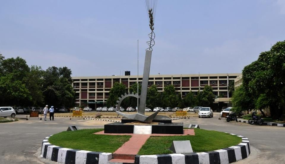 Punjab Agricultural University,Manpreet Singh Badal,Capt Amarinder Singh