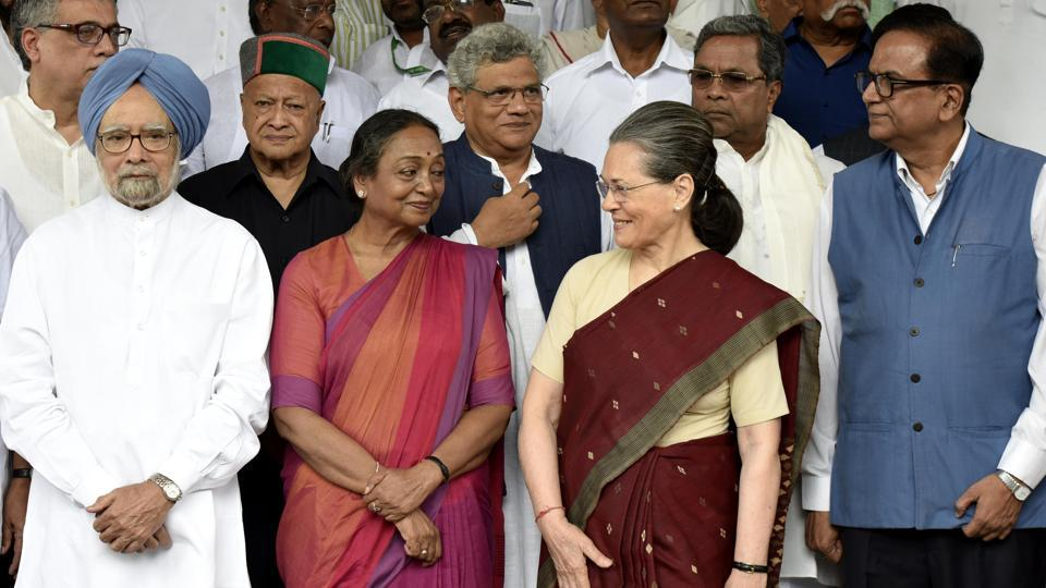 Opposition  Presdential candidate Meira Kumar with Sonia Gandhi and other leaders at Parliament for filing her nomination in New Delhi on June 28, 2017. (Vipin Kumar/HT Photo)