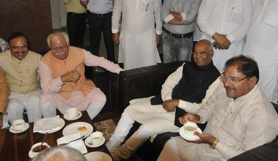 Presidential candidate Ramnath Kovind along with Haryana chief minister Manohar Lal Khattar and Indian National Lok Dal leader Abhay Chautala at a hotel in Panchkula.