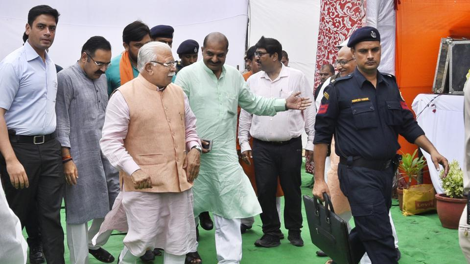 The CM was on his way to attend a plantation drive in Gurgaon's Sector 53.