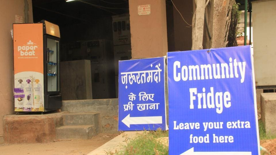 Samaritans from Gurgaon have installed a 24*7 community fridge in Gurgaon. The food is available free of cost for needy people.