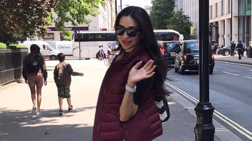 Nobody is better than Karisma Kapoor when it comes to selecting clothes as per the occasion. (Instagram)