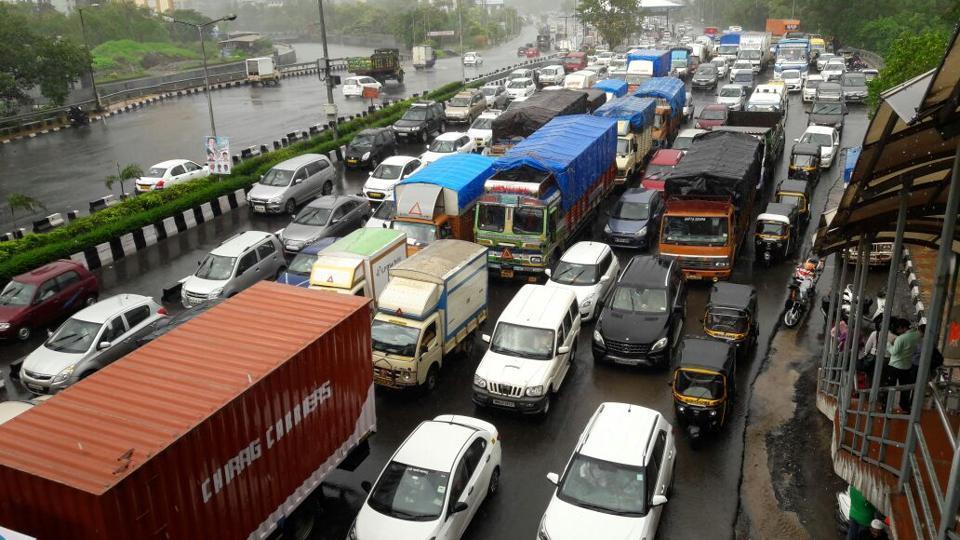 Traffic along Mulund toll naka in Thane.