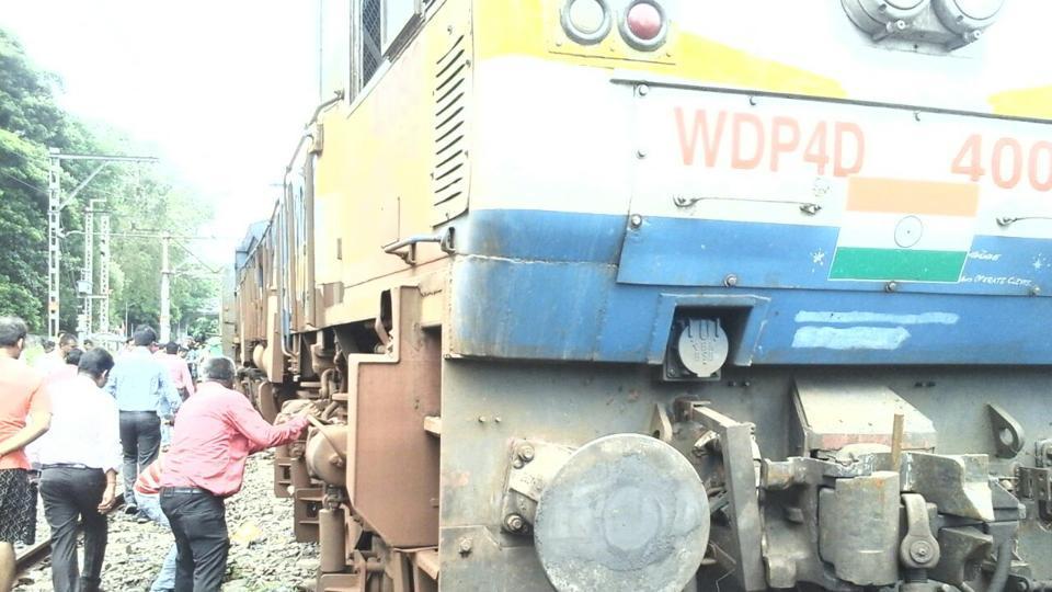 Mumbai city news,Mumbai trains,Mumbai train derailment