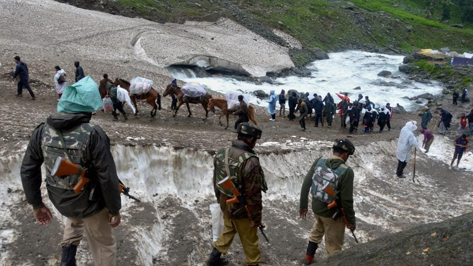 Over 8000 pay obeisance at Amarnath on 2nd day of yatra