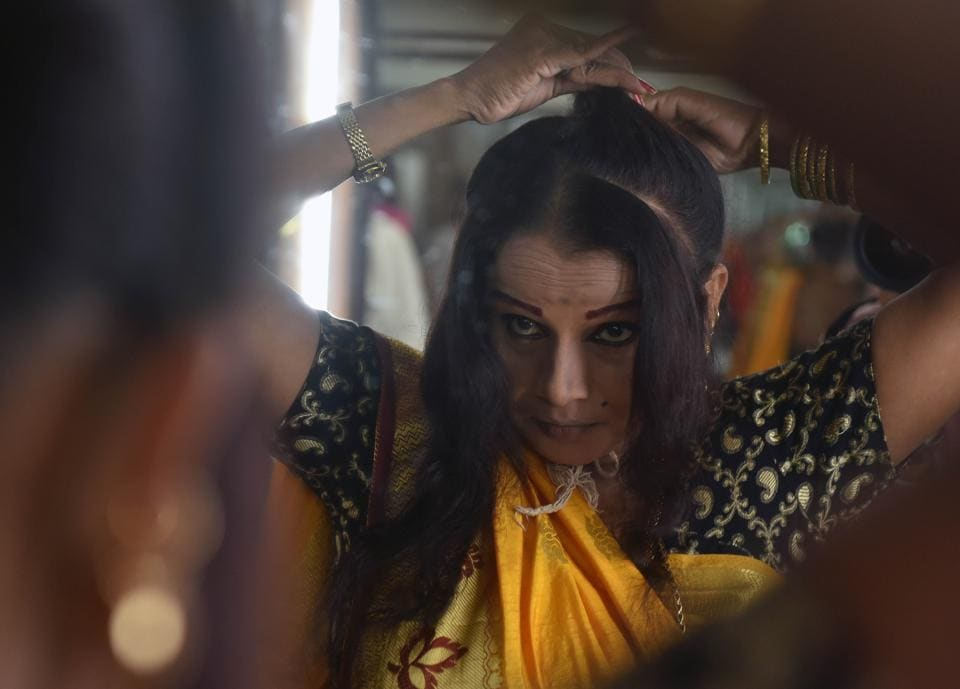 (The hair-do needs more effort, time and precision. The performance being so powerful and peppy, a performer cannot afford to leave a knot loose. (Pratham Gokhale/HT Photo))