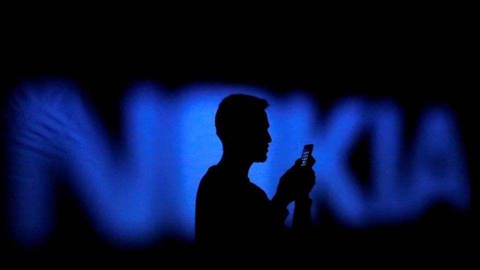 Nokia,Samsung,Gregory Lee