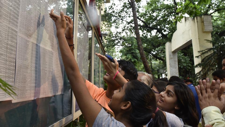 More than 2.51 lakh students had signed up for the online admissions by Thursday evening.