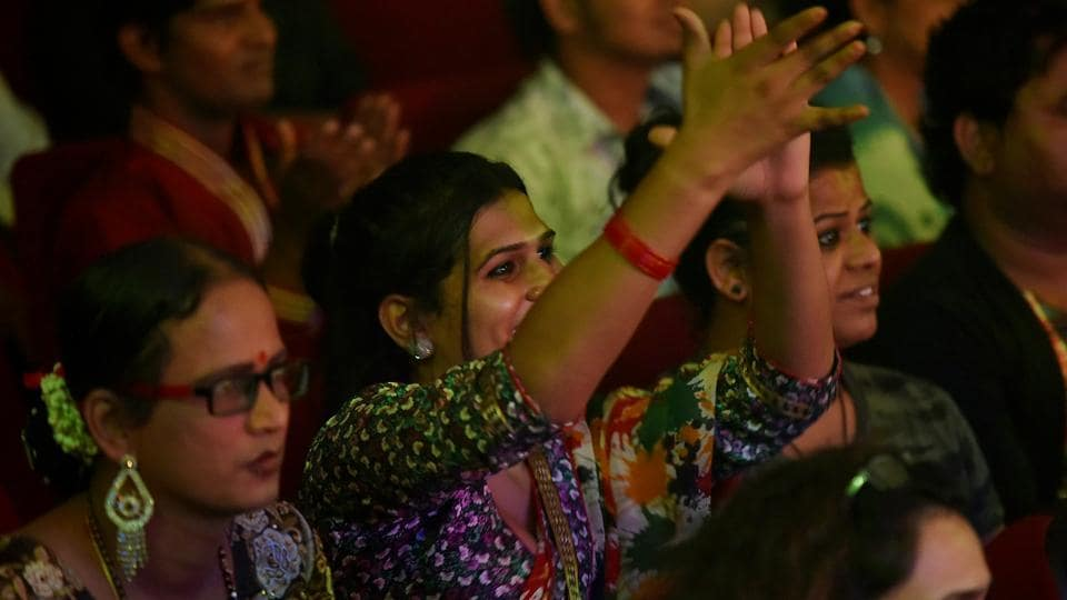 The hall was packed for Saturday's event , which was held to raise funds for the community.  (Anshuman Poyrekar/HT Photo)