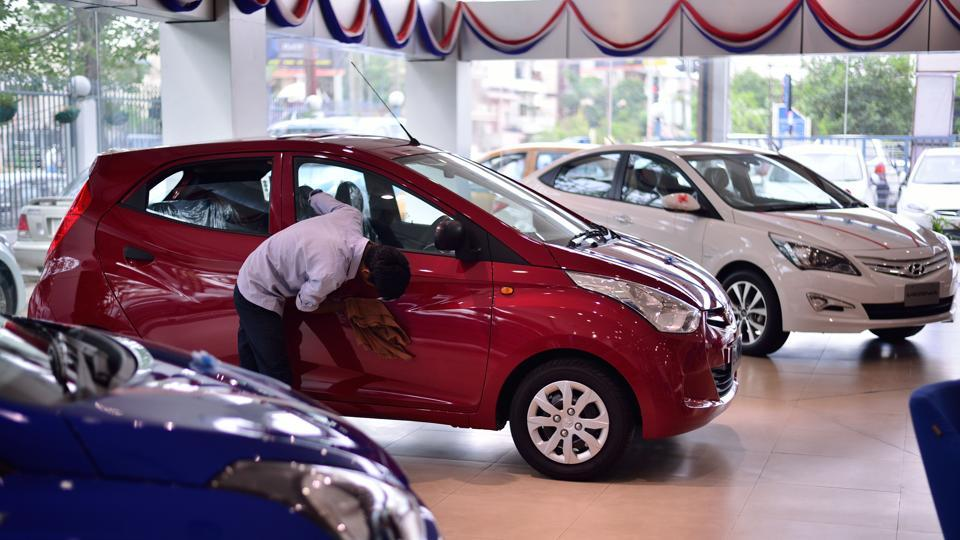 Though most automakers have passed on the GST benefits to the customers, they saw a rough sales weather in June as anxious customers delayed their vehicle purchases.