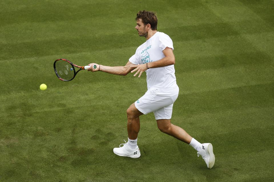 Stan Wawrinka will look to prove his mettle and maybe even outdo the more star-studded top 4 seeds in Wimbledon.  (AP)