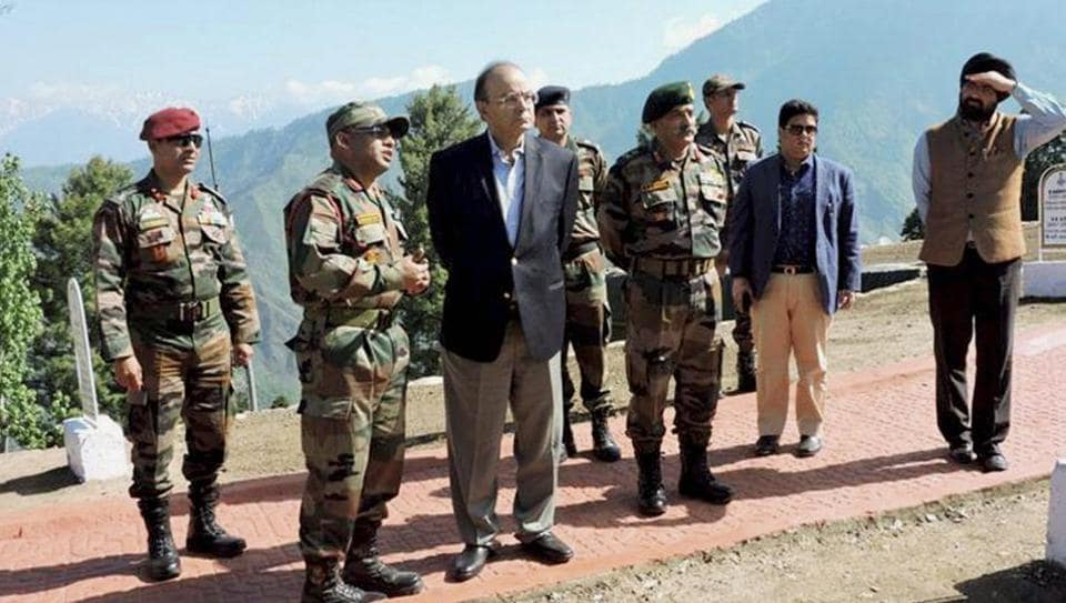 Defence minister Arun Jaitley with GOC of Baramulla based Division, Maj Gen RP Kalita during a visit to the forward areas of Rampur Sector of North Kashmi, in this file photo from May 19.