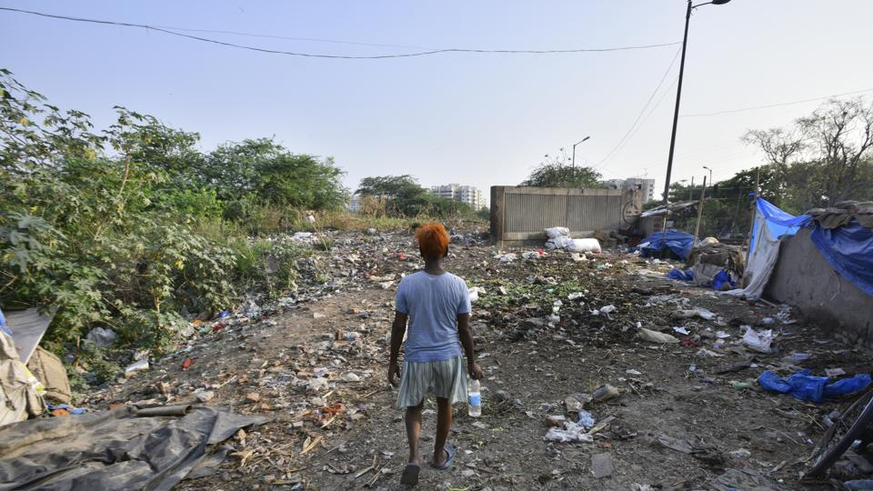 Hundreds of homeless, rickshaw pullers and slum dwellers live in these areas and most of them still go to the Yamuna banks to relieve themselves every day.