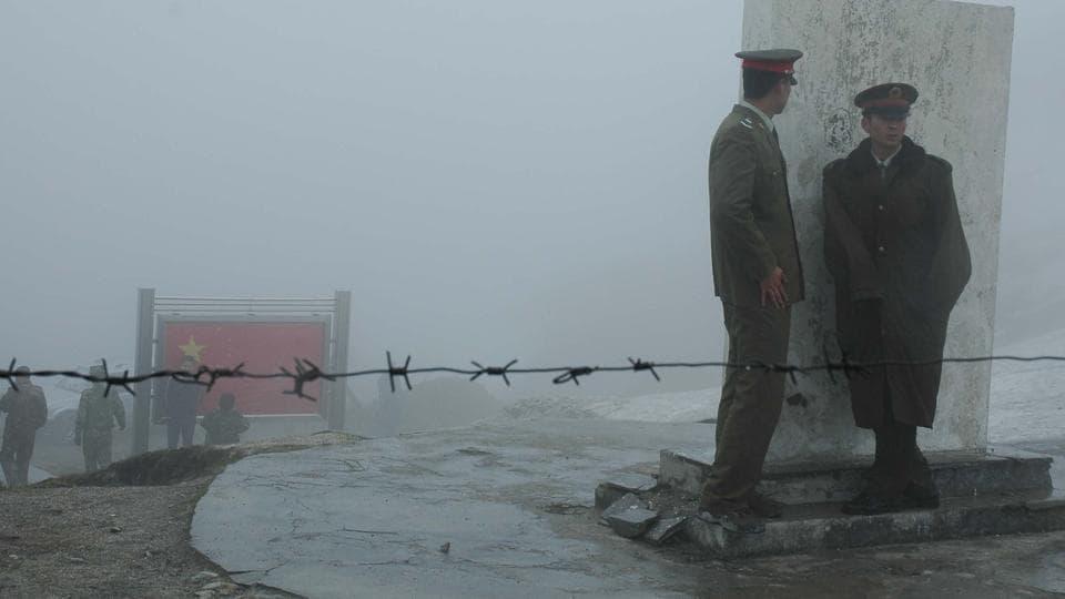 Chinese army at Nathu La .