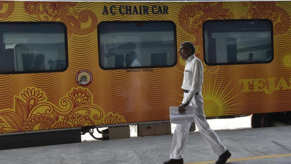 Indian Railways,Railway employees,Railway staff uniforms